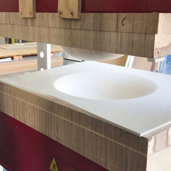 prensa hidraulica solid surface